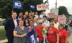 MP Ben Howlett joins parents protesting against closure of Bath Community Academy