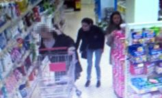 Women sought by police after elderly victim has purse stolen while shopping
