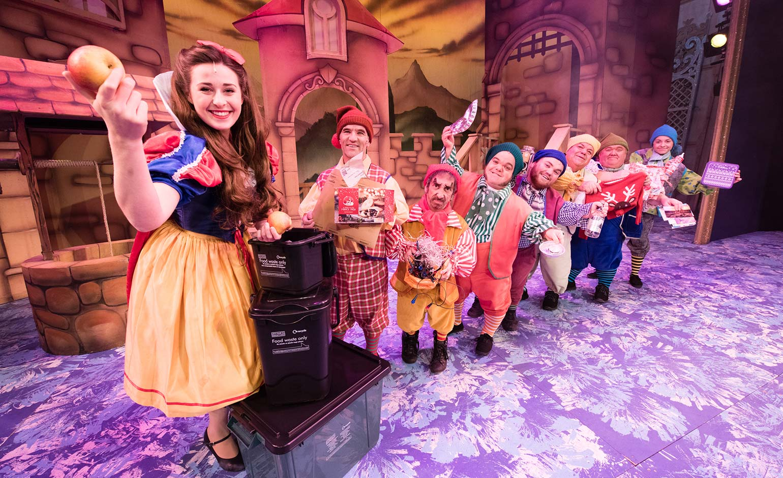 Panto stars help B&NES Council highlight importance of Christmas recycling