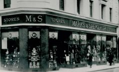Marks & Spencer store in Bath remembers 'Blitz Spirit' for RAF's centenary