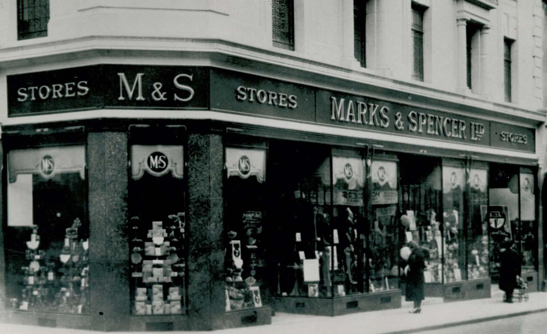Marks & Spencer store in Bath remembers 'Blitz Spirit' for RAF's centenary