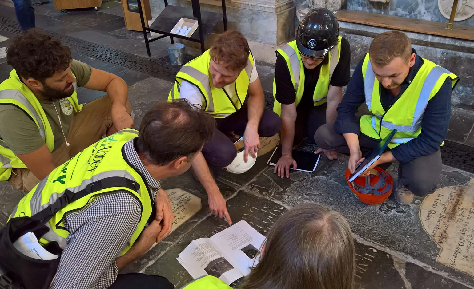 Bath Abbey launches behind-the-scenes tours to showcase building project