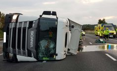 M4 closed between Chippenham and Bath after milk tanker overturns