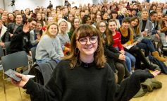 Maisie Williams visits Bath Spa University to celebrate creative industries