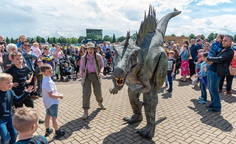 Fun day at Bath Racecourse to feature Europe's largest animatronic dinosaurs
