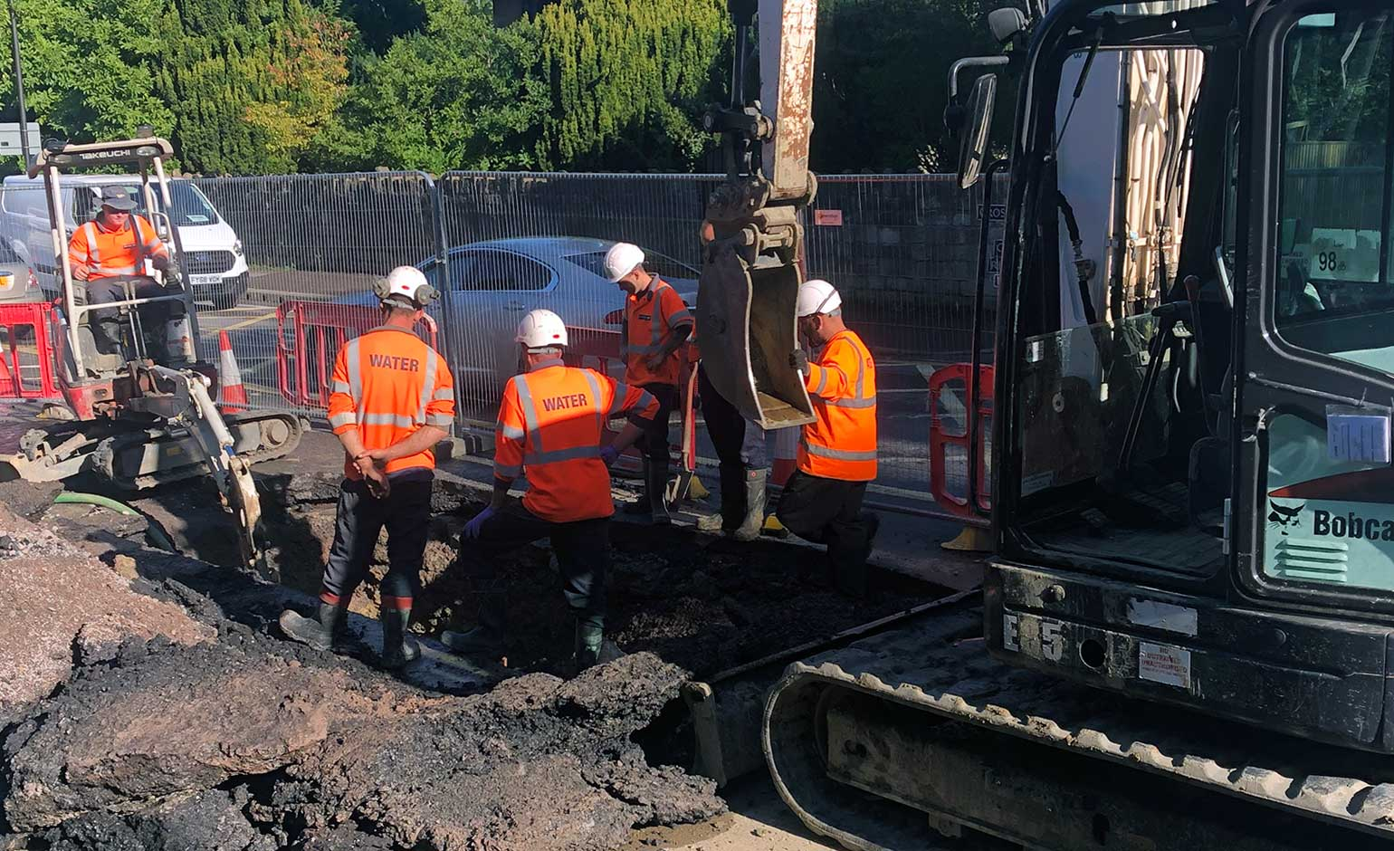 Work continues on the London Road in Bath to repair damaged water main | Bath Echo