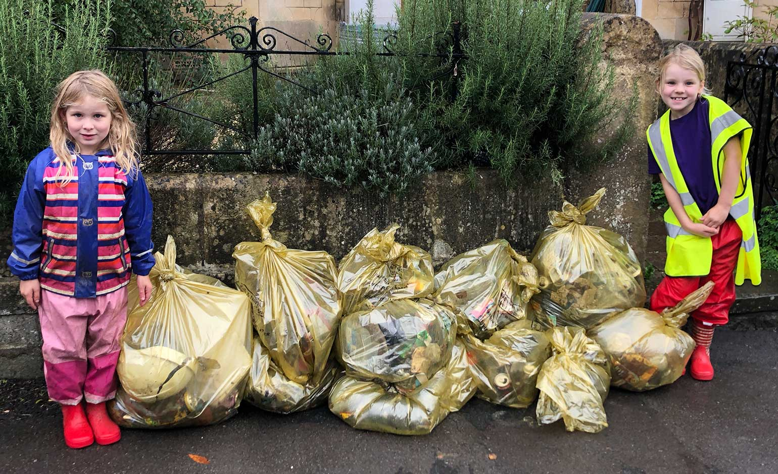 "Communities across Bath thanked for their ""fantastic litter picking efforts"" 