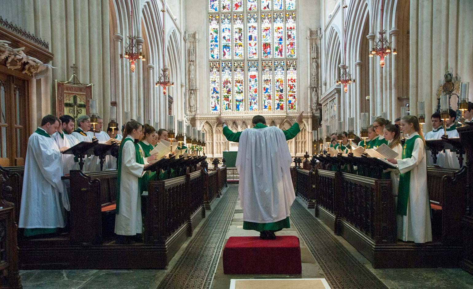 Bath Abbey choirs celebrate start of the year with a new Christmas CD | Bath Echo