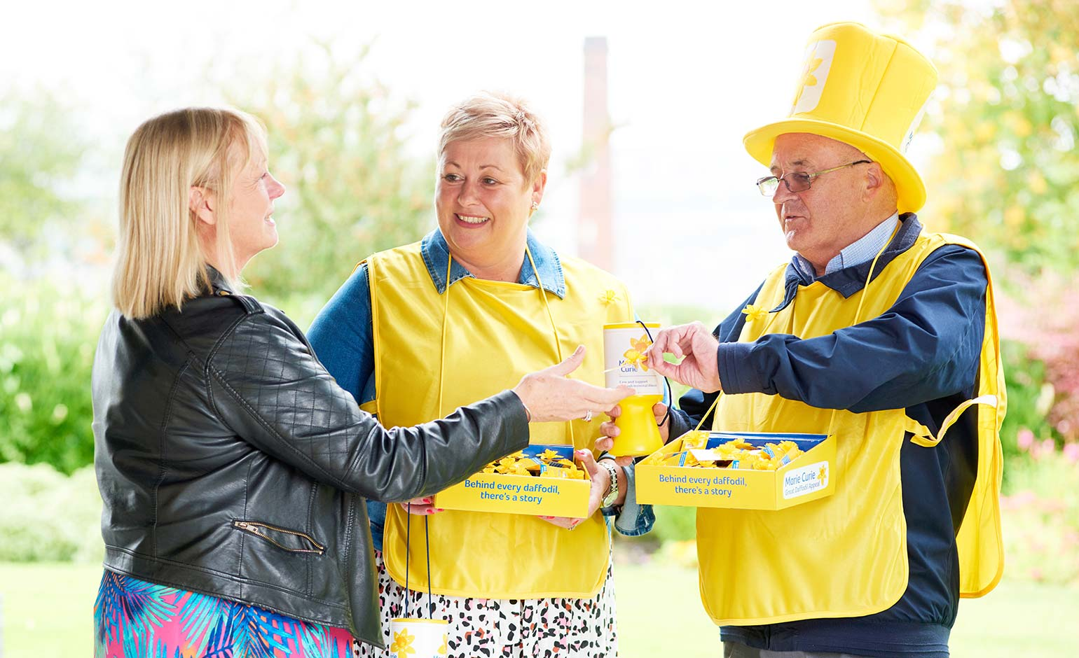 Marie Curie launches urgent appeal for more daffodil campaign volunteers