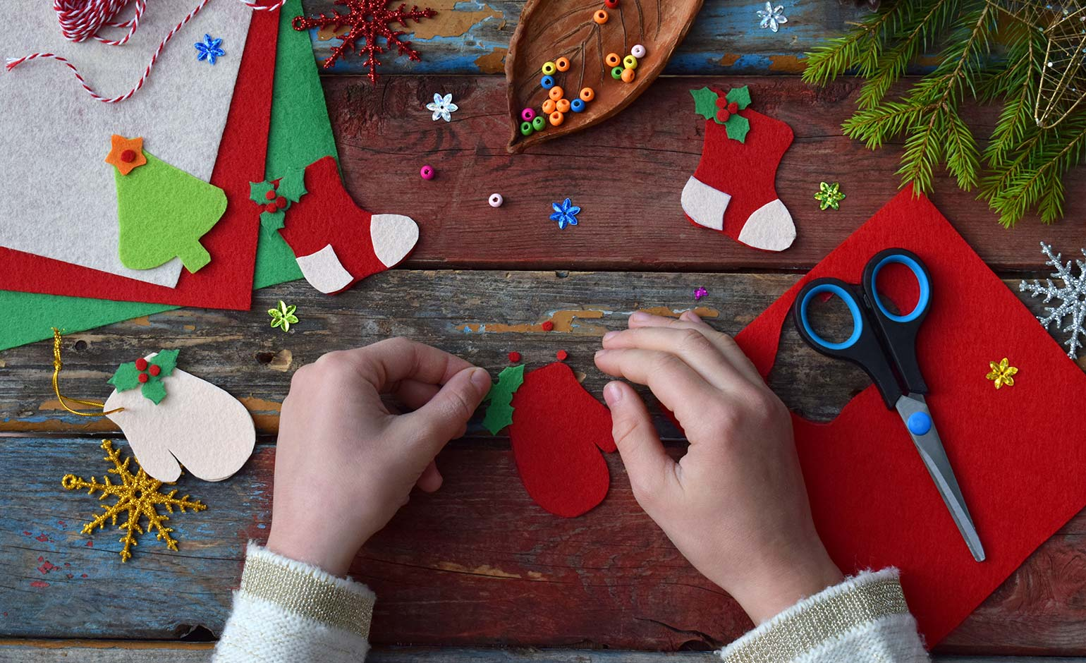Schools to get creative for Julian House's Christmas Card Competition